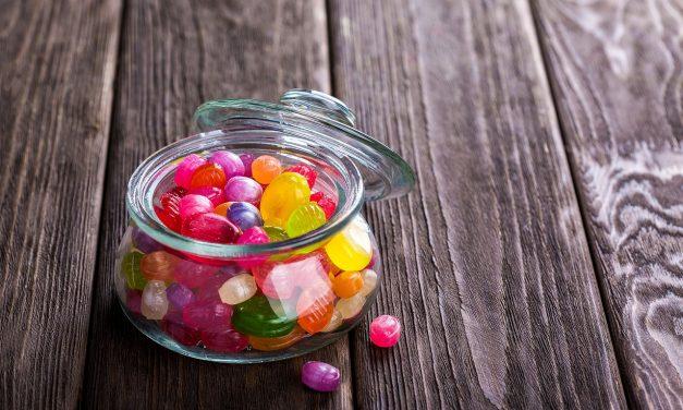 Pudełeczka na cukierki z logo bądź napisem
