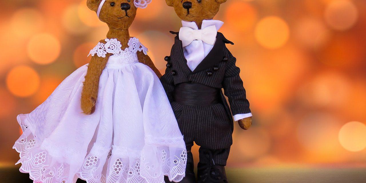 Czy kombinezon ślubny to dobry pomysł?