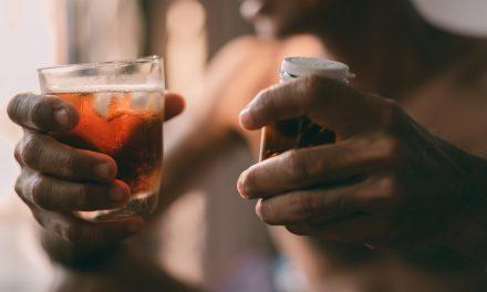Alkohol a trudności życiowe – dlaczego pijemy i jak się ratować